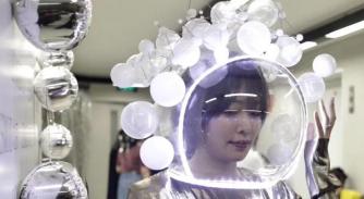 """2018 ESMOD北京 圣凯瑟琳节""""请把宇宙戴在头上"""""""